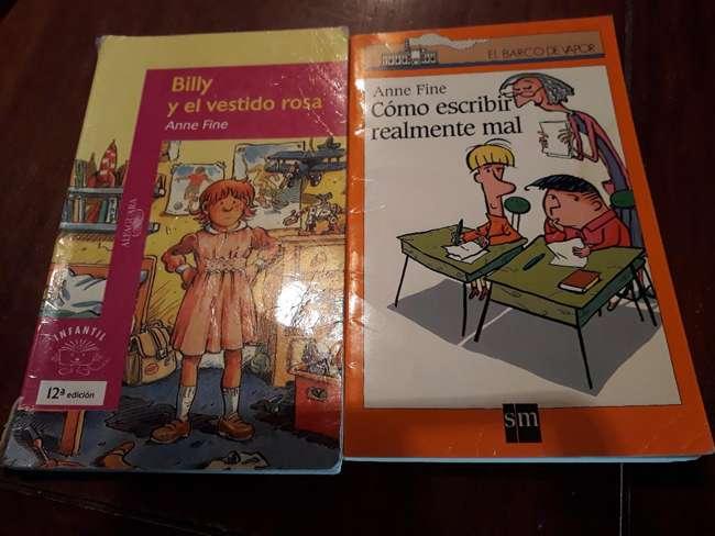 Anne Fine-Virginia Gil Rodriguez-leyendo en familia-Hondarribia