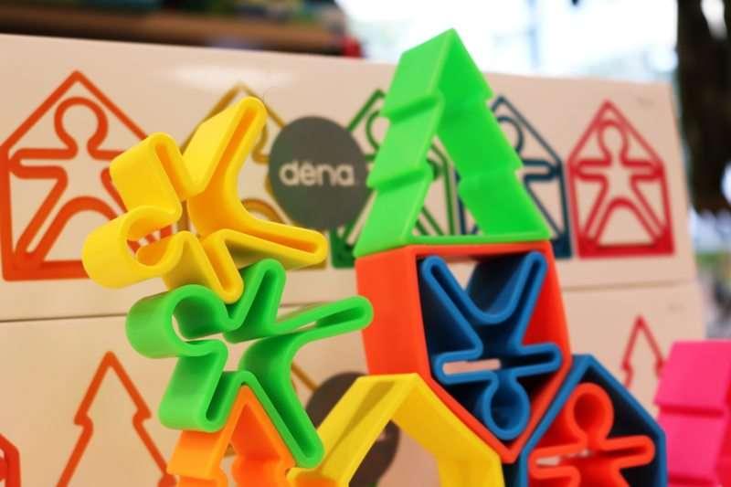 Dëna toys : un nuevo juguete de silicona