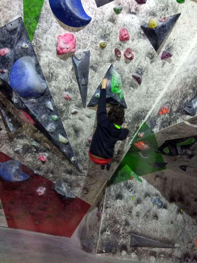 escalada-jornada de puertas abiertas-bulder 51-Irun-txiribuelta