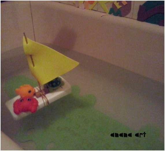 la goma eva y el agua-anana art