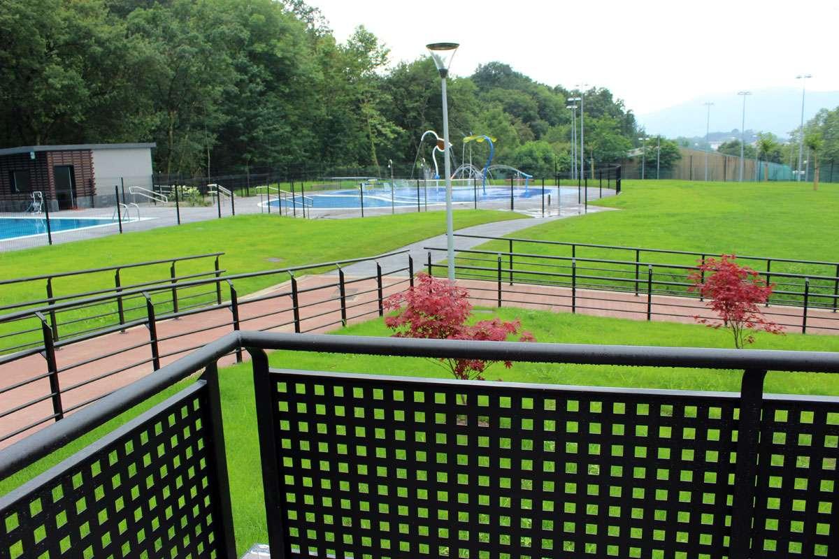 117e3bfbbdfb Espacio deportivo San Marcial Txingudi : piscinas al aire libre en ...